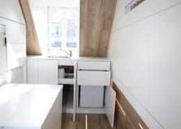 Roselier Agencement - Studio - Kitchenette avec évier, réfrigérateur et tiroirs touche lache