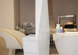 Roselier Agencement - Before - Poste de coiffure avec tiroirs, miroirs et éclairage Led