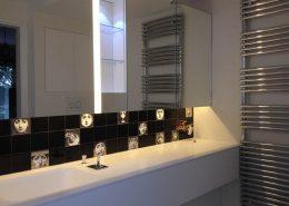 Roselier Agencement - Cuisines et Sdb - Laque blanche et Corian avec éclairage Led intégré - Neuilly - Design Galaktik