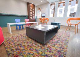 Roselier Agencement - Office Tourisme Beuvron en Auge - Mobilier central pour l'accueil du public