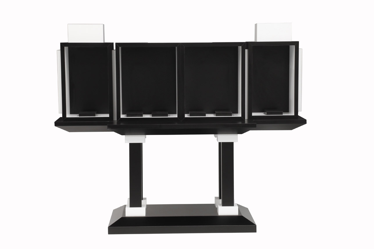 Roselier Agencement - Support œuvres d'art - Stratifié blanc et noir teinté dans la masse - Galerie Perrotin Paris - Design Xavier Veihlan