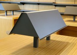 Roselier Agencement Lisieux - Librairie - Support en métal à façon, finition granitée
